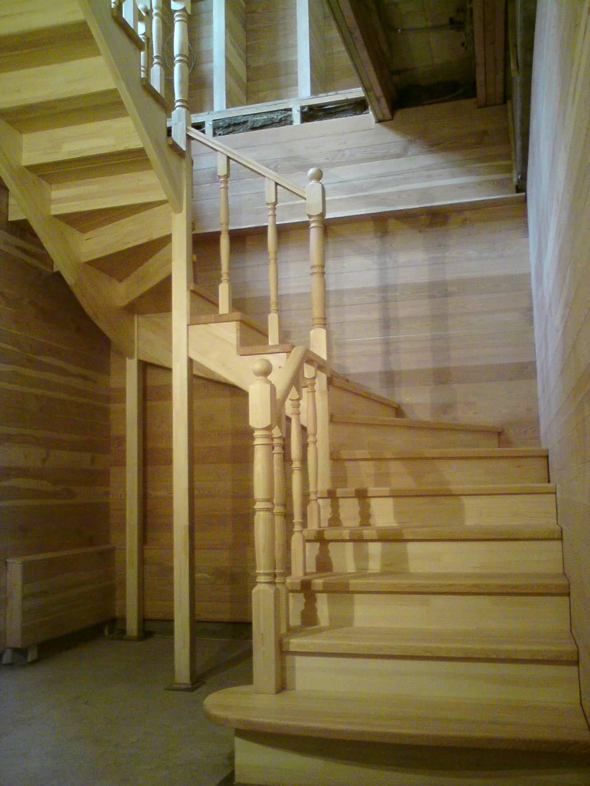 Лестницы - фотографии деревянных лестниц.